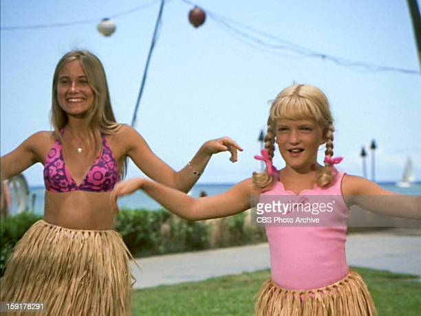 Maureen McCormick as Marcia Brady and Susan Olsen as Cindy Brady in THE BRADY BUNCH episode Hawaii Bound Original air date September 22 1972 Image is...