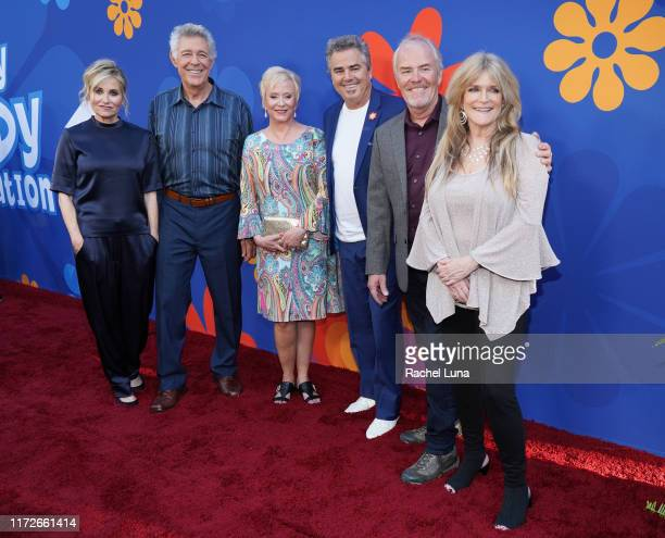 Maureen McCormick Barry Williams Eve Plumb Christopher Knight Mike Lookinland and Susan Olsen attend the premiere of HGTV's A Very Brady Renovation...