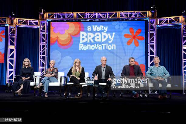Maureen McCormick Eve Plumb Susan Olsen Mike Lookinland Christopher Knight and Barry Williams of 'A Very Brady Renovation' speak onstage during the...