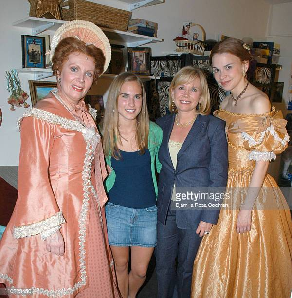 Maureen McGovern Ashley Bush Sharon Bush and Sutton Foster