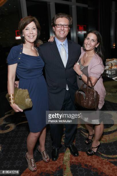 Maureen Pace Dr Eric Weiss and Bobbi Brown attend NEIMAN MARCUS And Friends Honor BURT TANSKY at Mandarin Oriental Hotel on September 15th 2010 in...