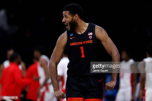 Maurice Calloo of the Oregon State Beavers celebrates against the Houston Cougars during the second half in the Elite Eight round of the 2021 NCAA...