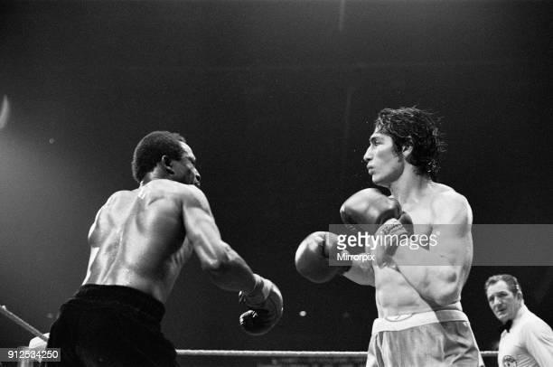 Maurice Hope v Carlos Herrera WBC World Super Welterweight Title. Wembley Arena, Wembley, London, United Kingdom. Hope won by unanimous decision...