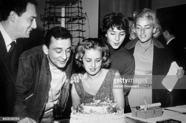 Maurice Ronet Louis Malle Jeanne Moreau Yori Bertin and Elga Andersen on the set of 'Lift to the Scaffold' directed by Louis Malle