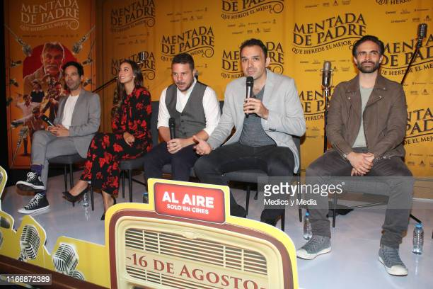Mauricio Isaac Sofia Sisniega Mark Alazraki Fernando Rovzar and Osvaldo Benavides attend a press conference of the film 'Mentada de Padre' at...