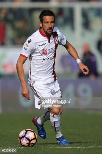 Mauricio Isla of Cagliari Calcio in action during the Serie A match between ACF Fiorentina and Cagliari Calcio at Stadio Artemio Franchi on March 12...