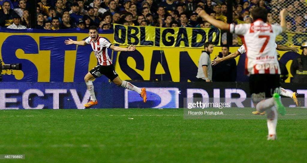 Boca Juniors v Union Santa Fe - Torneo Primera Division 2015 : News Photo