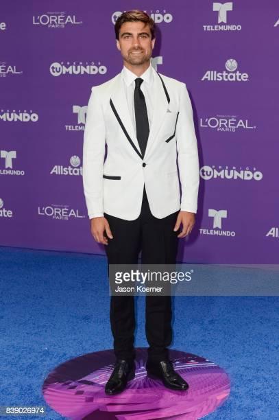 Mauricio Ochmann arrives at Telemundo's 2017 'Premios Tu Mundo' at American Airlines Arena on August 24 2017 in Miami Florida