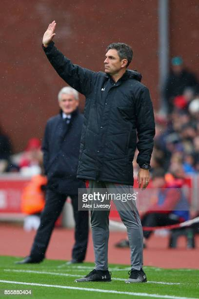 Mauricio Pellegrino Manager of Southampton gives his team instructions during the Premier League match between Stoke City and Southampton at Bet365...
