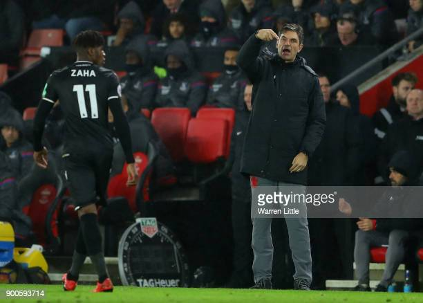 Mauricio Pellegrino Manager of Southampton gives his team instructions during the Premier League match between Southampton and Crystal Palace at St...