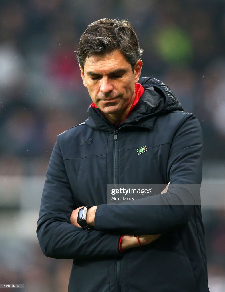 Mauricio Pellegrino, Manager of Southampton looks dejected during the Premier League match between Newcastle United and Southampton at St. James Park on March 10, 2018 in Newcastle upon Tyne, England.
