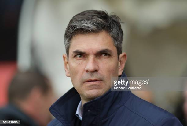 Mauricio Pellegrino Manager of Southampton looks on during the Premier League match between Southampton and Arsenal at St Mary's Stadium on December...