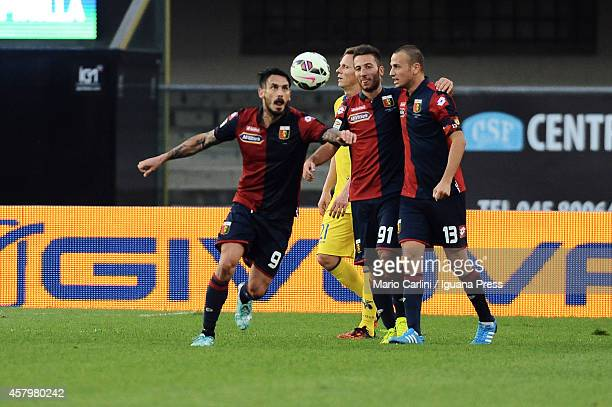 Mauricio Pinilla od Genoa CFC celebrates at the end of the Serie A match between AC Chievo Verona and Genoa CFC at Stadio Marc'Antonio Bentegodi on...