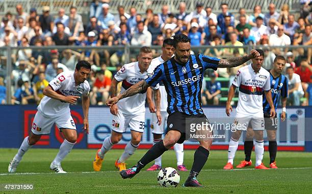 Mauricio Pinilla of Atalanta BC cscores the opening goal from the penalty spot during the Serie A match between Atalanta BC and Genoa CFC at Stadio...