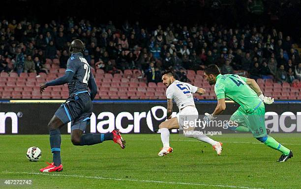 Mauricio Pinilla of Atalanta scores the opening goal during the Serie A match between SSC Napoli and Atalanta BC at Stadio San Paolo on March 22 2015...