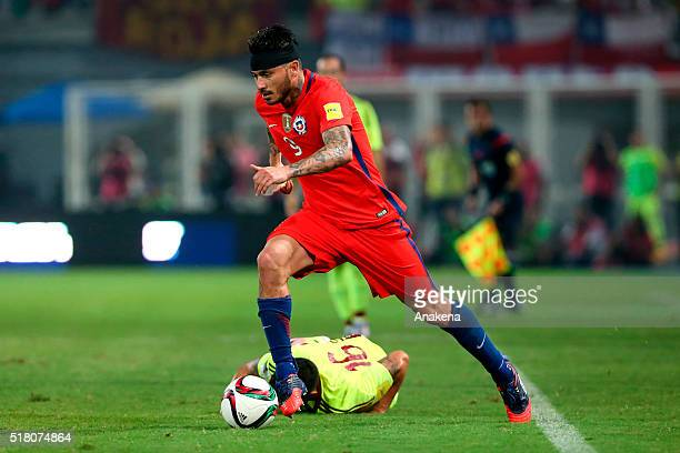 Mauricio Pinilla of Chile drives the ball during a match between Venezuela and Chile as part of FIFA 2018 World Cup Qualifiers at Agustin Tovar...