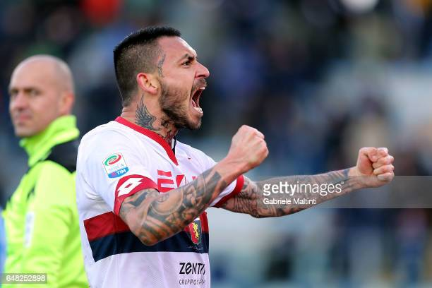 Mauricio Pinilla of Genoa CFC celebrates the victory during the Serie A match between Empoli FC and Genoa CFC at Stadio Carlo Castellani on March 5...