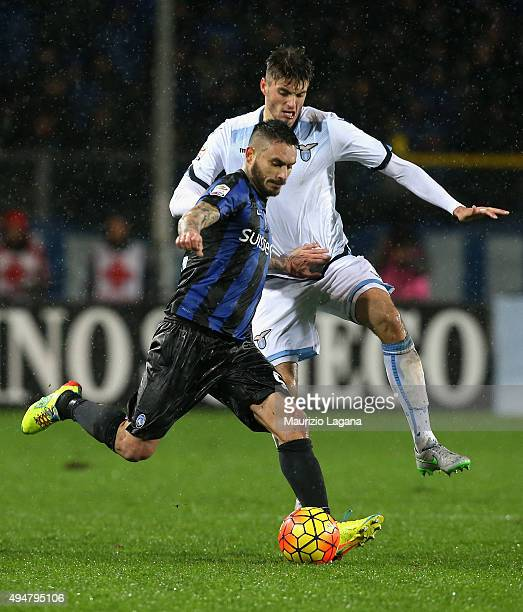 Mauricio Pinnilla of Atalanta competes for the ball with Wesley Heodt of Lazio during the Serie A match between Atalanta BC and SS Lazio at Stadio...