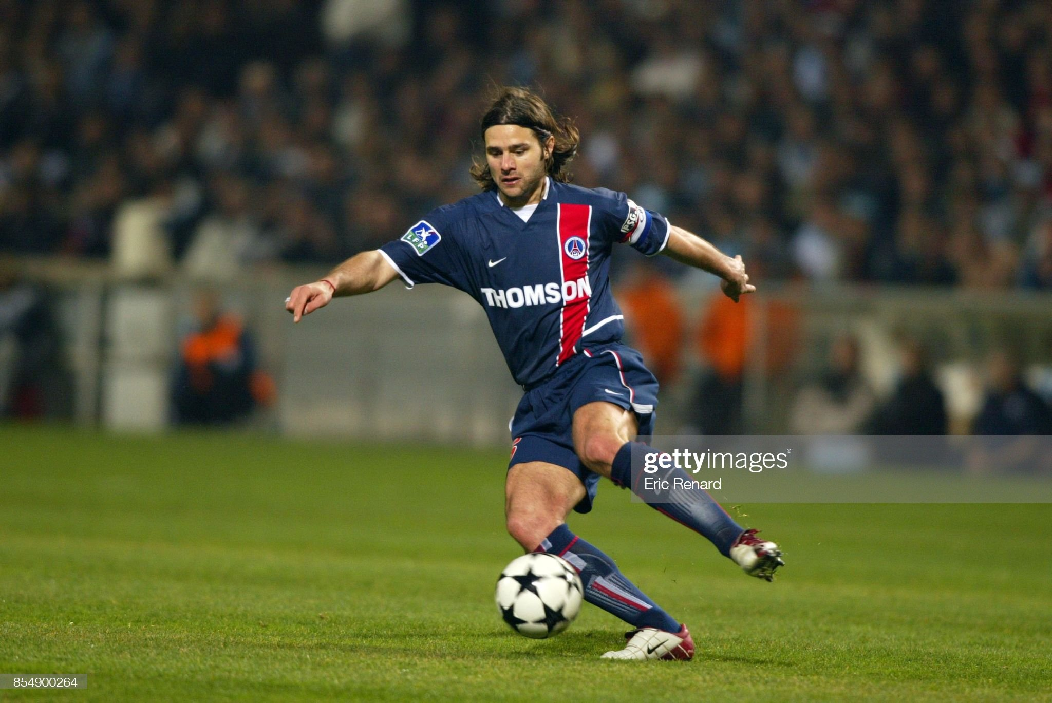 Mauricio POCHETTINO - 09.03.2003 - Marseille / PSG - 30eme journee de Ligue 1 - Stade Velodrome - Marseille - : News Photo