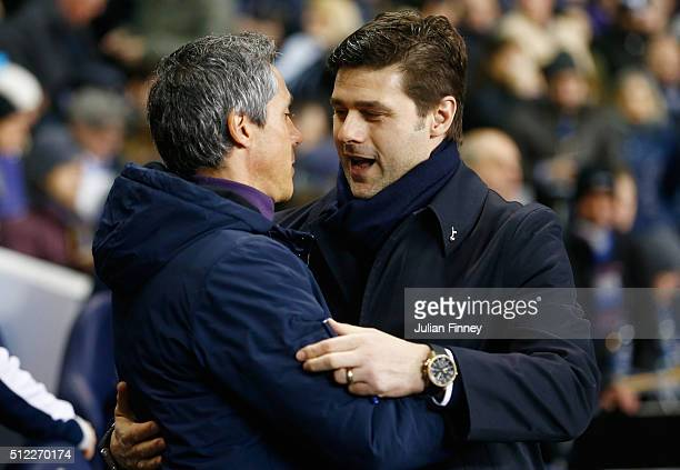 Mauricio Pochettino Manager of Tottenham Hotspur and Paulo Sousa manager of Fiorentina shake hands prior to the UEFA Europa League round of 32 second...