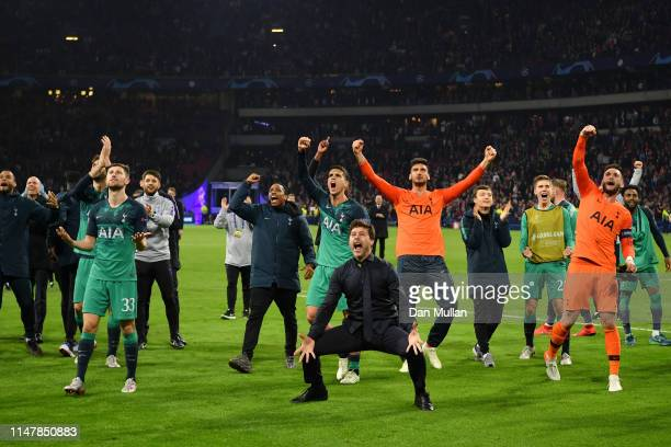 Mauricio Pochettino Manager of Tottenham Hotspur celebrates victory with his team after the UEFA Champions League Semi Final second leg match between...