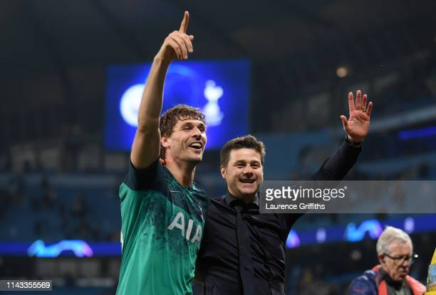 Mauricio Pochettino Manager of Tottenham Hotspur celebrates with Fernando Llorente of Tottenham Hotspur after the UEFA Champions League Quarter Final...