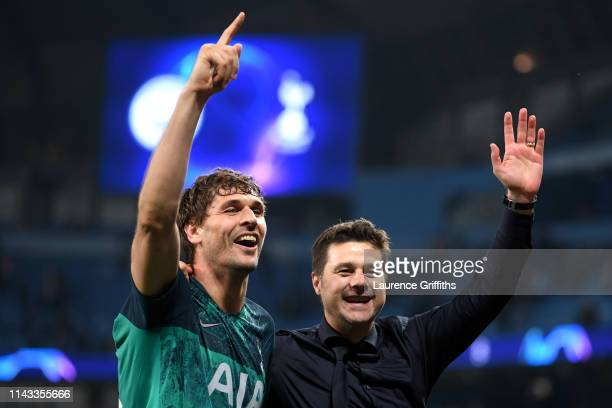 Mauricio Pochettino, Manager of Tottenham Hotspur celebrates with Fernando Llorente of Tottenham Hotspur after the UEFA Champions League Quarter...