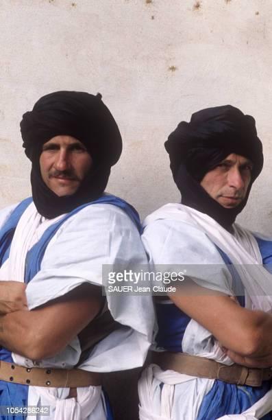 Mauritanie novembre 1983 Rendezvous avec Gérard DEPARDIEU et Pierre RICHARD à l'occasion du tournage du film 'Les compères' de Francis Veber Ici les...