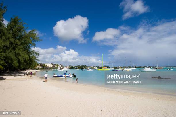 mauritius island, grand baie beach and lagoon - marie ange ostr�� photos et images de collection