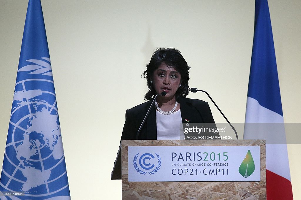 FRANCE-CLIMATE-WARMING-COP21-SPEECHES : News Photo
