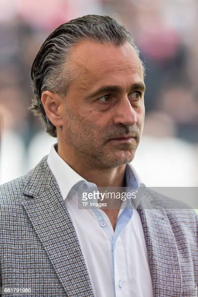 Maurizio Gaudino looks on during the Second Bundesliga match between VfB Stuttgart and FC Erzgebirge Aue at MercedesBenz Arena on May 7 2017 in...