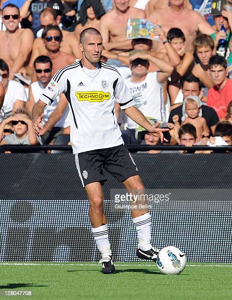 Maurizio Lauro of Cesena in action during the Serie A match between AC Cesena and AC Chievo Verona at Dino Manuzzi Stadium on October 2 2011 in...