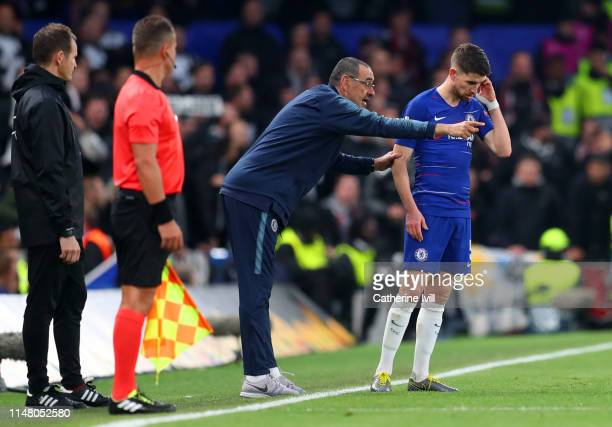 Maurizio Sarri Manager of Chelsea gives instructions to Jorginho of Chelsea during the UEFA Europa League Semi Final Second Leg match between Chelsea...