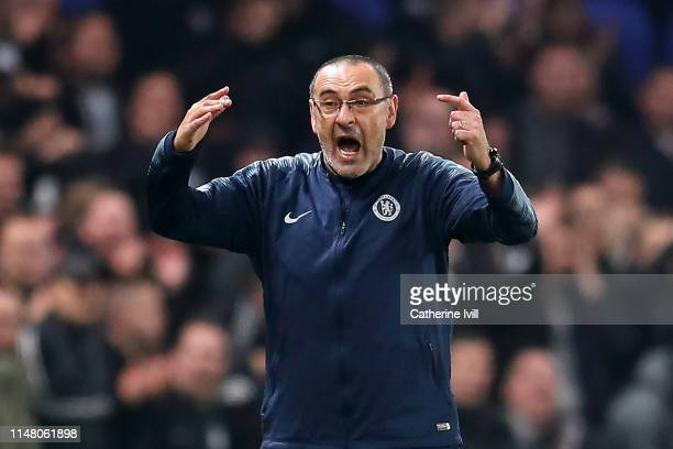 Maurizio Sarri Manager of Chelsea reacts during the UEFA Europa League Semi Final Second Leg match between Chelsea and Eintracht Frankfurt at...