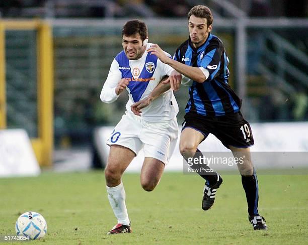 Maurizzio Domizzi of Brescia evades Damiano Zenoni of Brescia during the Serie A match between Atalanta and Brescia on November 14 2004 in Bergamo...