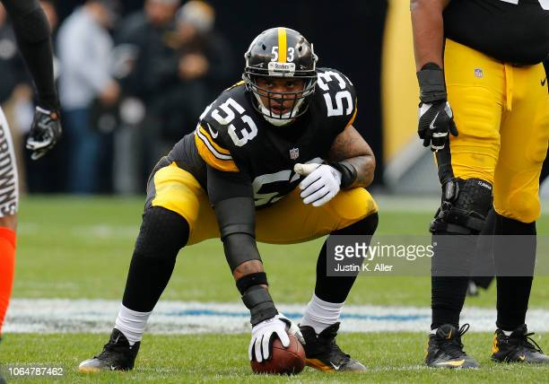 Maurkice Pouncey of the Pittsburgh Steelers in action against the Cleveland Browns on October 28, 2018 at Heinz Field in Pittsburgh, Pennsylvania.