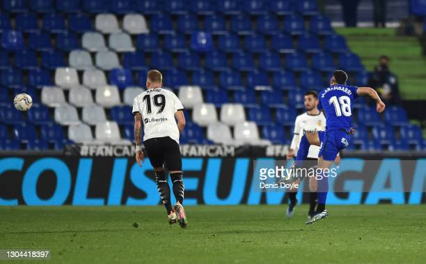Mauro Arambarri of Getafe CF scores their side's first goal during the La Liga Santander match between Getafe CF and Valencia CF at Coliseum Alfonso...