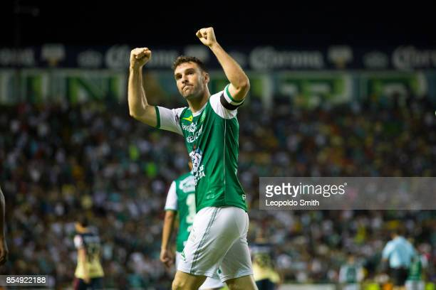 Mauro Boselli of Leon celebrates after scoring the first goal of his team during the 11th round match between Leon and America as part of the Torneo...