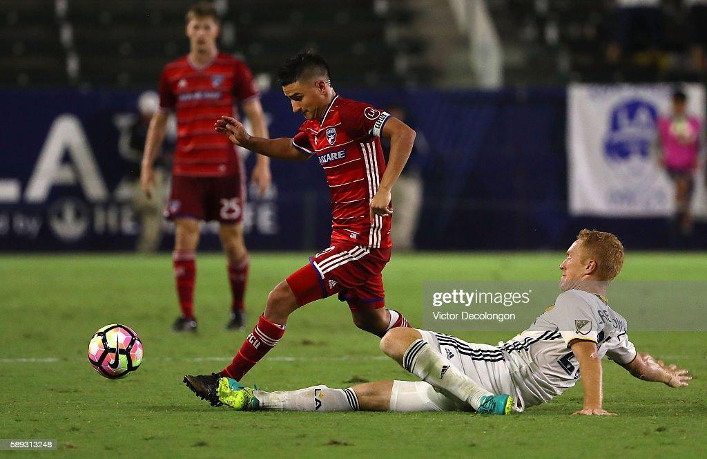 FC Dallas v Los Angeles Galaxy: Semifinal - 2016 U.S. Open Cup : News Photo