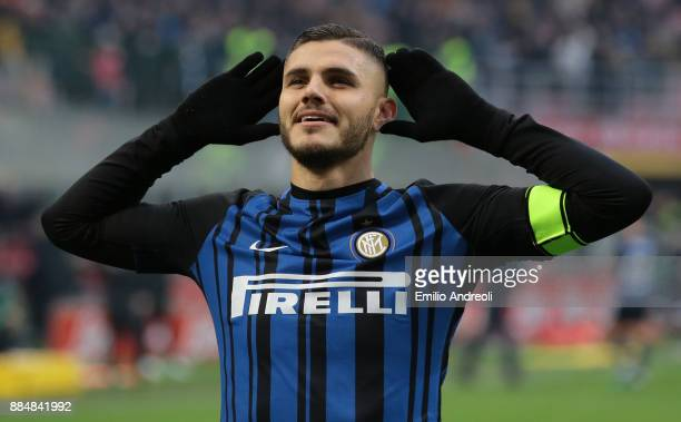 Mauro Emanuel Icardi of FC Internazionale Milano celebrates his goal during the Serie A match between FC Internazionale and AC Chievo Verona at...