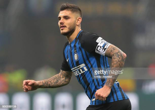 Mauro Emanuel Icardi of FC Internazionale Milano looks on during the serie A match between FC Internazionale and SSC Napoli at Stadio Giuseppe Meazza...