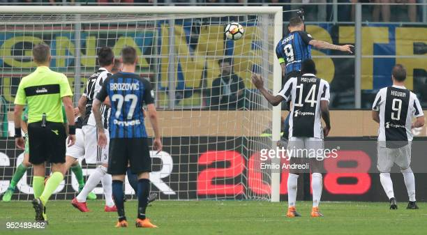Mauro Emanuel Icardi of FC Internazionale Milano scores his goal during the serie A match between FC Internazionale and Juventus at Stadio Giuseppe...
