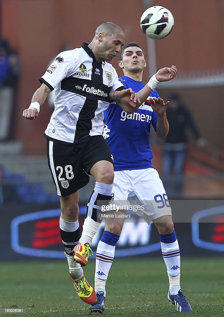 Mauro Emanuel Icardi (R) of UC Sampdoria competes for the ball with Yohan Benalouane (L) of Parma FC during the Serie A match between UC Sampdoria and Parma FC at Stadio Luigi Ferraris on March 3, 2013 in Genoa, Italy.