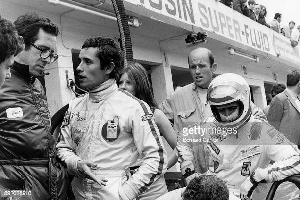 Mauro Forghieri Jacky Ickx Clay Regazzoni Grand Prix of Germany Nurburgring 01 August 1971 Mauro Forghieri in conversation with Jacky Ickx with...