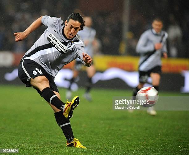 Mauro German Camoranesi of Juventus FC in action during the Serie A match between UC Sampdoria and Juventus FC at Stadio Luigi Ferraris on March 21...