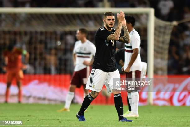 Mauro Icardi of Argentina greets fans as he leaves the field during a friendly match between Argentina and Mexico at Malvinas Argentinas Stadium on...