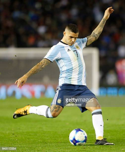 Mauro Icardi of Argentina kicks the ball during a match between Argentina and Venezuela as part of FIFA 2018 World Cup Qualifiers at Monumental...