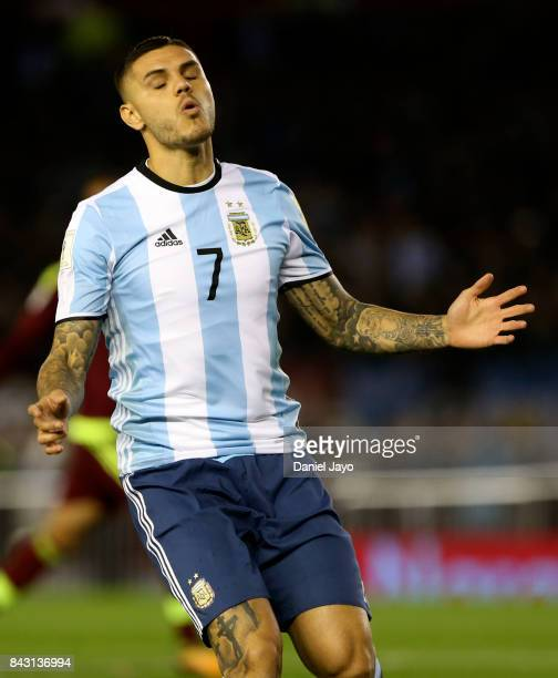 Mauro Icardi of Argentina reacts during a match between Argentina and Venezuela as part of FIFA 2018 World Cup Qualifiers at Monumental Stadium on...