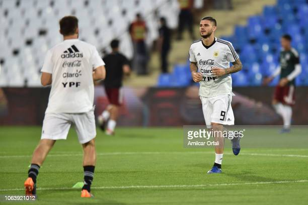 Mauro Icardi of Argentina warms up prior a friendly match between Argentina and Mexico at Malvinas Argentinas Stadium on November 20 2018 in Mendoza...