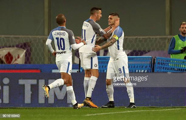 Mauro Icardi of FC Internazionale celebrates after scoring a goal during the serie A match between ACF Fiorentina and FC Internazionale at Stadio...